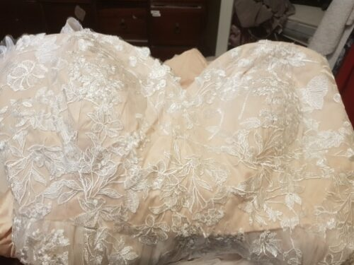 Robe de Mariée Femme Ronde pas Cher photo review